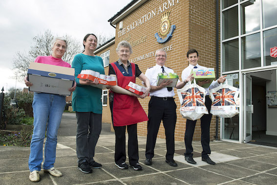 Tom Brickman (extreme right) Aldi Area Manager, with (l-r) Volunteers Susan Pattison, Rachel Knowles, Audrey Williams and Captain Andrew Jarrold.