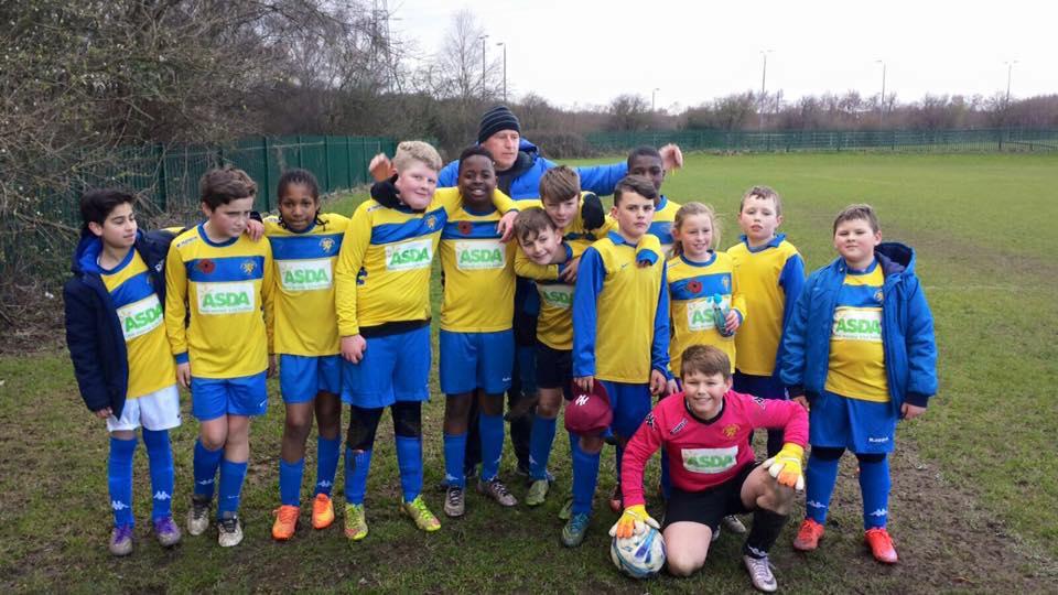 Beeston Juniors u11s celebrate their cup win