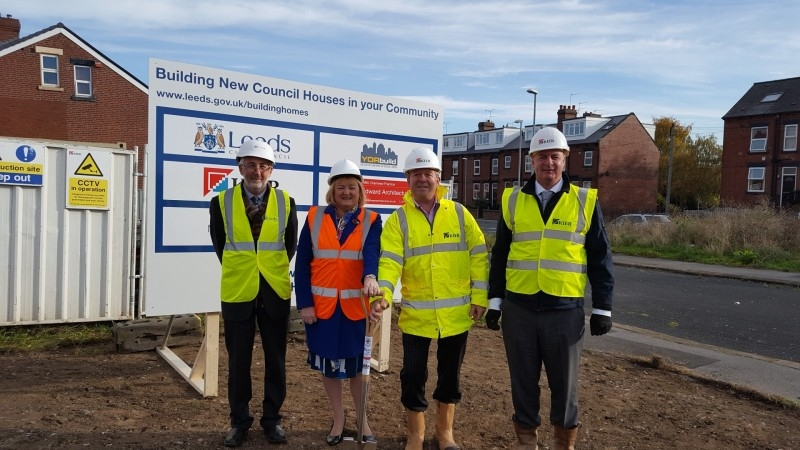 Housing growth programme at Garnet Grove in Beeston with (l-r) LCC executive member for regeneration, transport and planning Cllr Richard Lewis and executive member for communities Cllr Debra Coupar with Steve Howard and Tony Pollard of Kier Construction